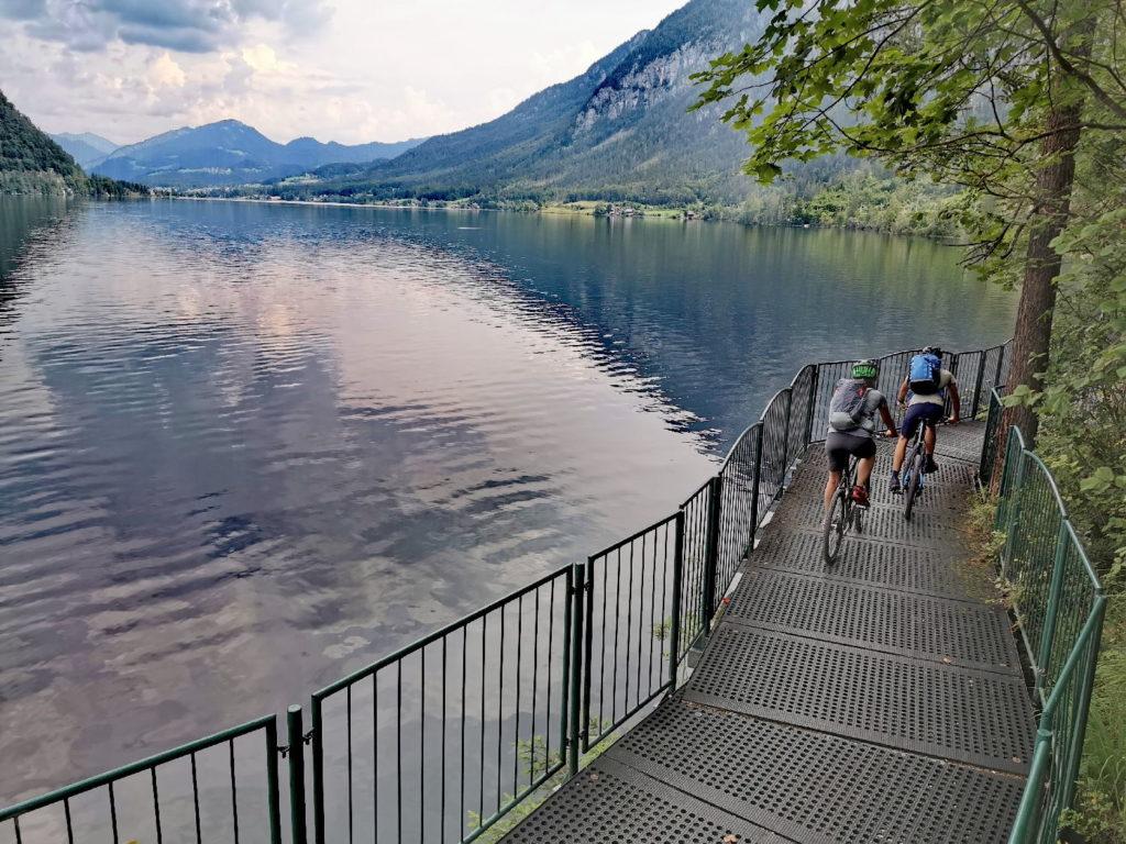 Hallstätter See - der Ostuferweg mit der besonderen Stahlkonstruktion
