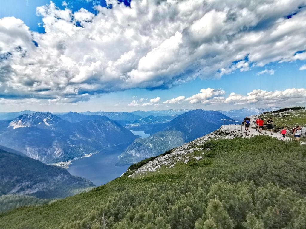 Auf dem Weg zur Five Fingers Dachstein Aussichtsplattform - leichte Panoramawanderung