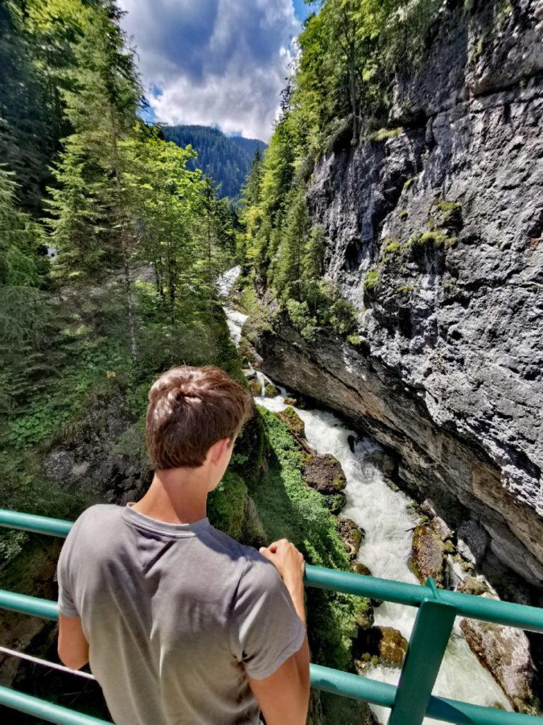 Eine der schönen Wasserfälle in Hallstatt auf unserer Echerntal Wanderung