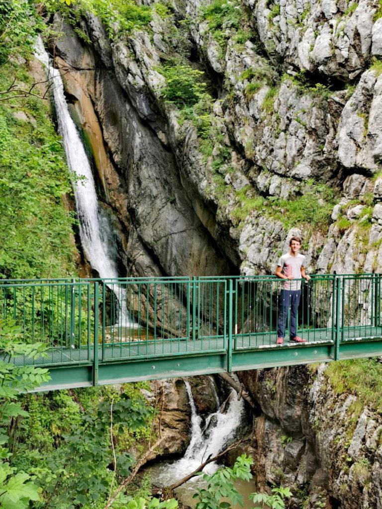 Versteckt, gehört aber zu den Hallstatt Sehenswürdigkeiten: Der Mühlbach Wasserfall